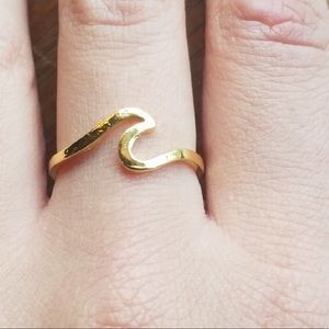 Jewelry - New Gold wave ring